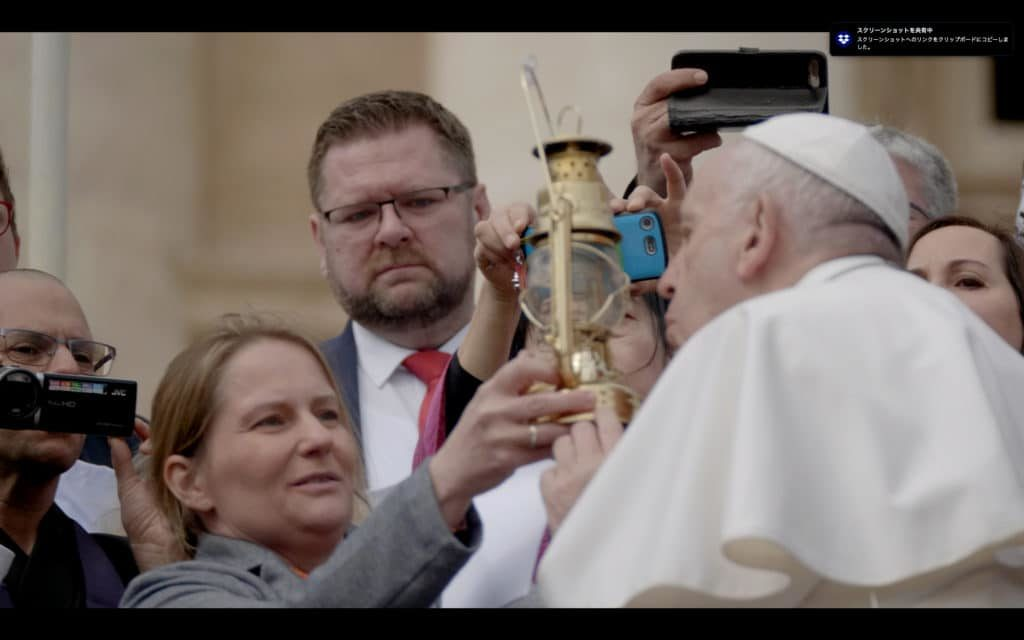 Pope-blow-out-Hiroshima-Flame